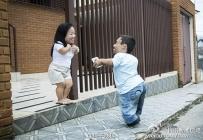 世界最矮夫妻秀恩爱 身高不足0.9米